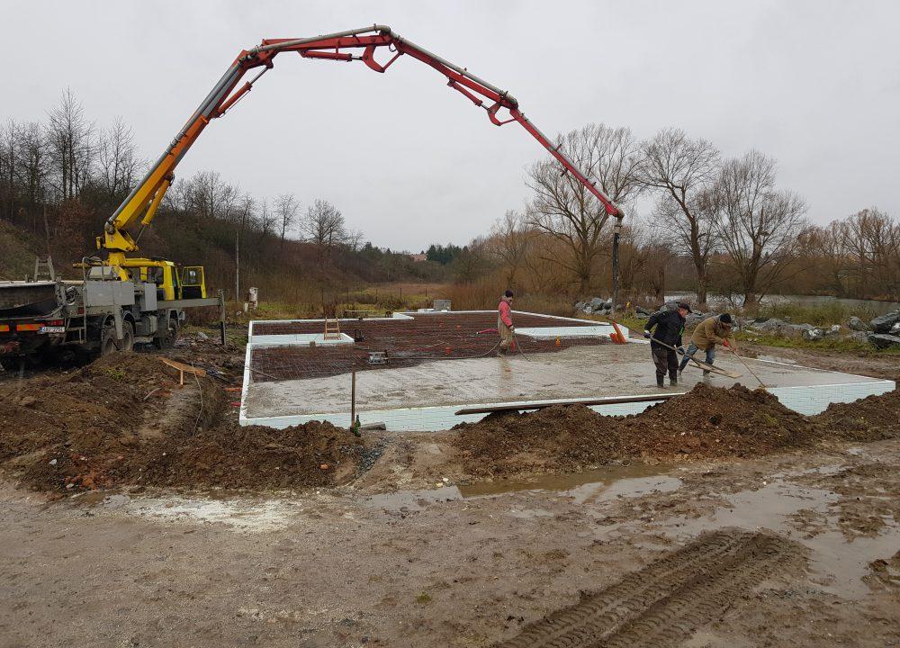 betonáž desky zemní práce