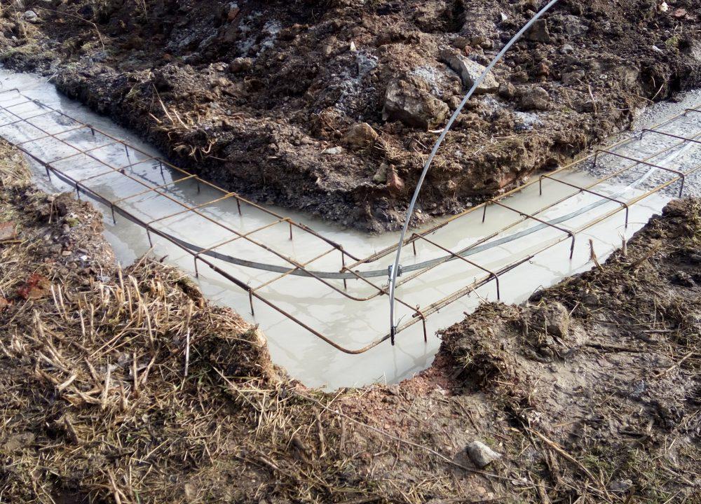 základový pas betonování
